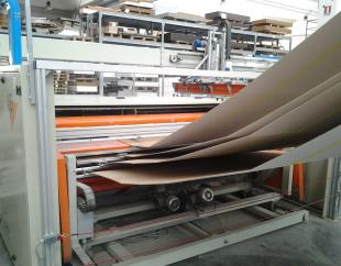 Machine used to produce carton boxes LCR